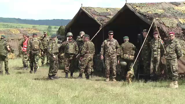 Exercitiu militar amplu in poligonul din Brasov. Peste 1200 de soldati romani se antreneaza alaturi de americani si britanici