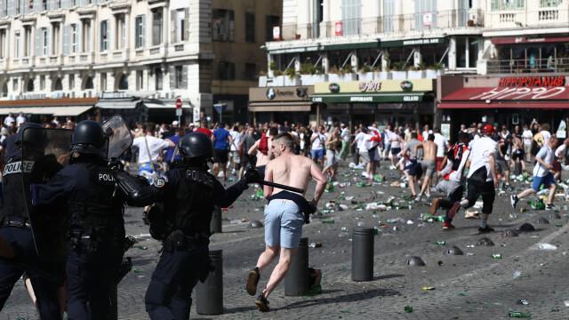 UEFA le ameninta pe Anglia si Rusia: ambele echipe risca sa fie excluse din competitie daca fanii lor mai au derapaje - Imaginea 7