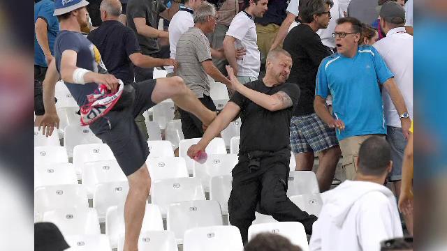 UEFA le ameninta pe Anglia si Rusia: ambele echipe risca sa fie excluse din competitie daca fanii lor mai au derapaje - Imaginea 13