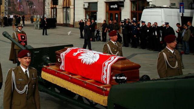 Ancheta privind tragedia aviatica de la Smolensk din 2010. Ce au gasit anchetatorii in sicriul presedintelui Lech Kaczynski