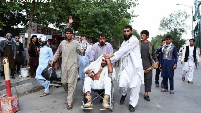 Explozii la Kabul, in timpul unei inmormantari: cel putin 7 morti si 100 de raniti. Trei sinucigasi s-au aruncat in aer