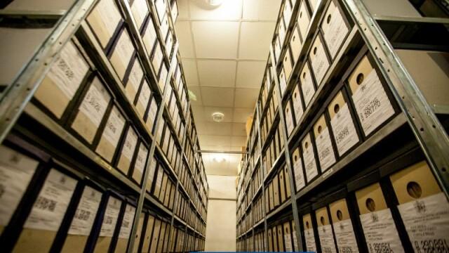 Incendiul stins la depozitul de arhive din Ilfov