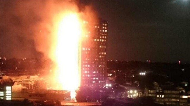 Incendiu violent la Londra. Turn cu 27 de etaje cuprins de flacari: 12 morti, 74 de raniti - 20 in stare critica - Imaginea 2