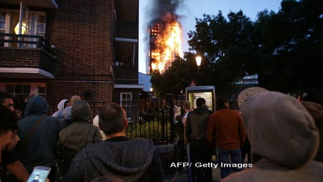 Incendiu violent la Londra. Turn cu 27 de etaje cuprins de flacari: 12 morti, 74 de raniti - 20 in stare critica - Imaginea 5