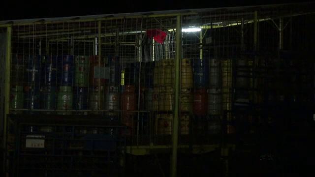 Pericol de explozie in Neamt. Un container cu substante chimice a ars langa un combinat in care erau 1.000 de butelii