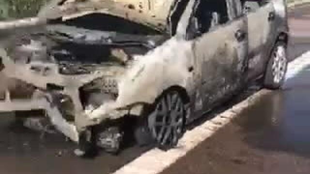 Trafic blocat pe Autostrada Soarelui. Doua masini s-au ciocnit violent, iar una dintre ele a luat foc