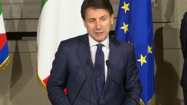 Noul premier italian, Giuseppe Conte, a depus jurământul, apoi a mers la pizzerie