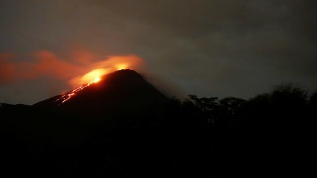 Vulcanul Fuego a început să erupă, în Guatemala. Sunt 25 de morţi şi zeci de răniţi