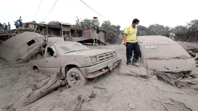 99 de morţi şi sute de răniţi, după erupţia vulcanului Fuego. Autorităţile încă mai caută cadavre