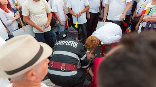 Cele două Românii. GALERIE FOTO cu protestele din weekend: PSD contra #rezist - Imaginea 4