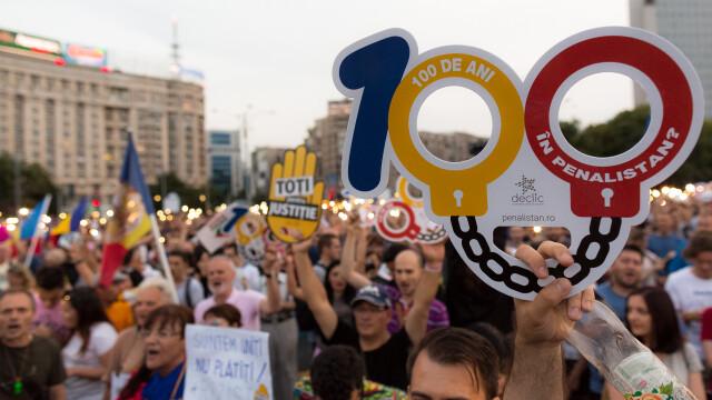 Cele două Românii. GALERIE FOTO cu protestele din weekend: PSD contra #rezist - Imaginea 12
