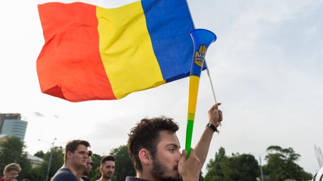 Cele două Românii. GALERIE FOTO cu protestele din weekend: PSD contra #rezist - Imaginea 19