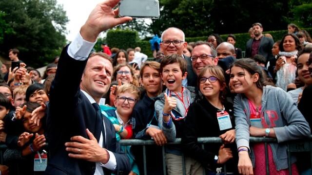 Cum l-a pus la punct Macron pe un tânăr care i s-a adresat cu \