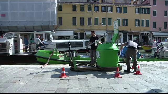 Vaporașele de pe canalele venețiene funcționează cu uleiul folosit pentru prăjirea fructelor de mare