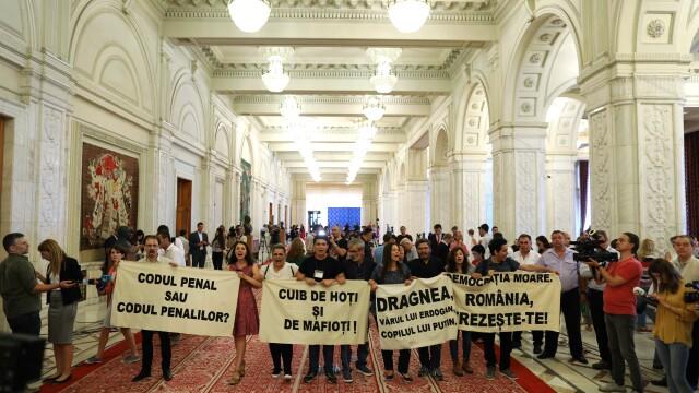 Protest în Parlament, după un discurs al premierului Viorica Dăncilă