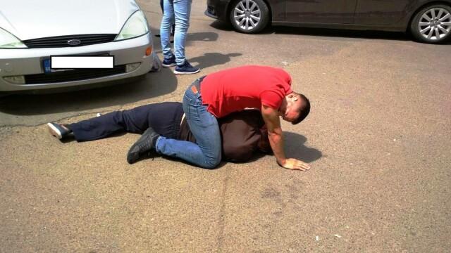 Un bărbat care a tâlhărit un bătrân, prins de un elev de la Școala de Poliție: \