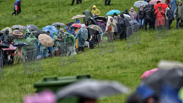 Papa Francisc în România. 150.000 de pelerini au fost alături de Papă, la Iași, în a doua zi a vizitei. VIDEO - Imaginea 6