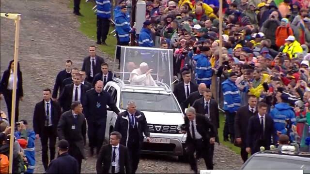 Papa Francisc în România. 150.000 de pelerini au fost alături de Papă, la Iași, în a doua zi a vizitei. VIDEO - Imaginea 11