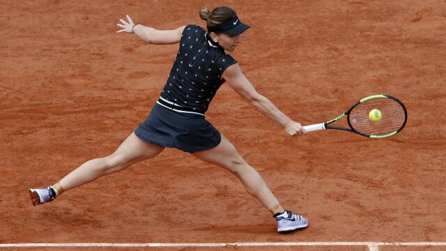 Simona Halep a învins-o pe Lesia Tsurenko în turul III la Roland Garros în doar 2 seturi - Imaginea 2