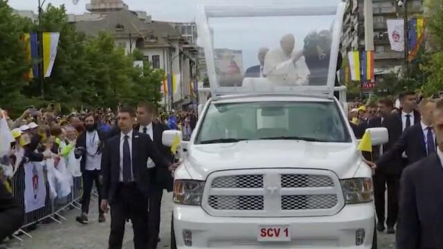 Papa Francisc în România. 150.000 de pelerini au fost alături de Papă, la Iași, în a doua zi a vizitei. VIDEO - Imaginea 17