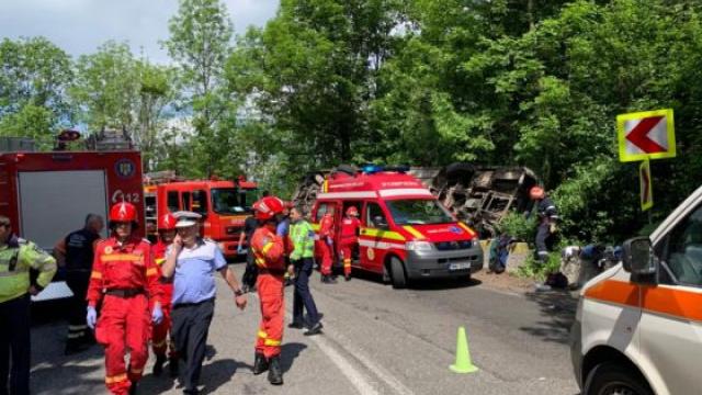 Plan Roşu, după ce un autocar cu copii s-a răsturnat între Pârâul Rece şi Râşnov - Imaginea 2