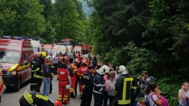 Plan Roşu, după ce un autocar cu copii s-a răsturnat între Pârâul Rece şi Râşnov - Imaginea 4