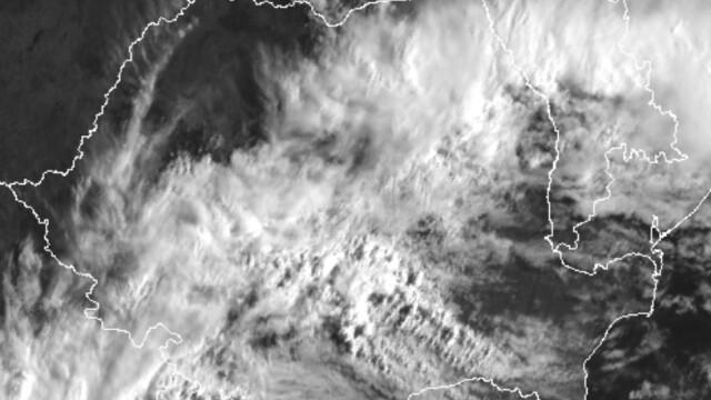 Atenționare meteo. Cod portocaliu și cod galben de ploi torențiale, în aproape toată țara