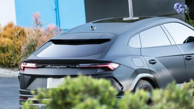 Motivul pentru care Kanye West nu mai iese din casă decât cu 3 Lamborghini negre - Imaginea 2