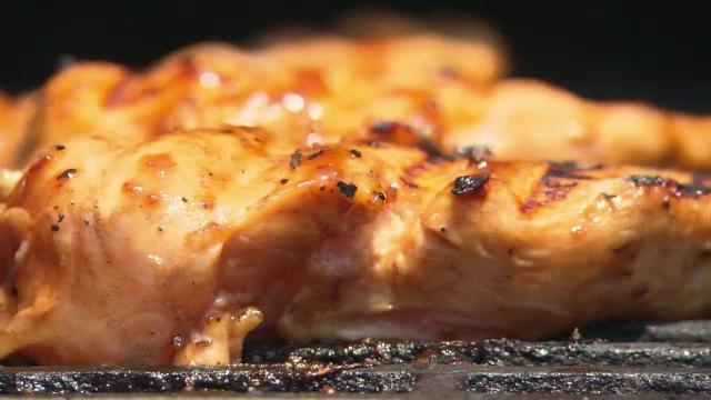 Nici carnea albă nu e bună, susțin cercetătorii. Ce recomandă să mâncăm