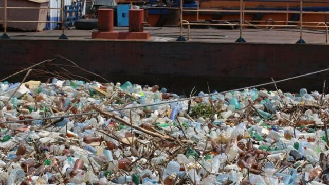 Poluare pe Dunăre. Video cu tonele de deșeuri strânse la Galați, după inundații - Imaginea 3