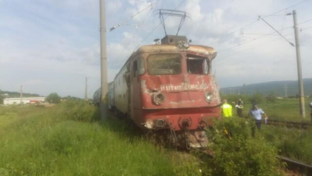 ANIMAȚIE GRAFICĂ cu trenul deraiat după ce a lovit un camion în Bacău - Imaginea 18