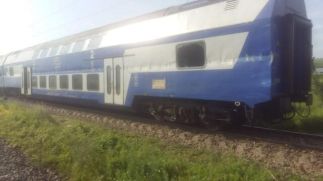 ANIMAȚIE GRAFICĂ cu trenul deraiat după ce a lovit un camion în Bacău - Imaginea 13