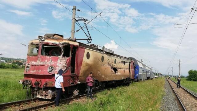 ANIMAȚIE GRAFICĂ cu trenul deraiat după ce a lovit un camion în Bacău - Imaginea 11
