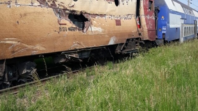 ANIMAȚIE GRAFICĂ cu trenul deraiat după ce a lovit un camion în Bacău - Imaginea 8