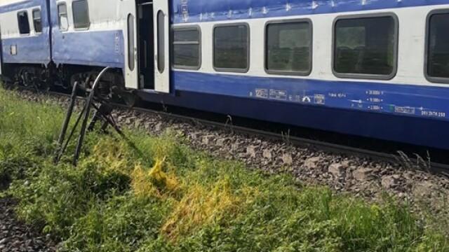 ANIMAȚIE GRAFICĂ cu trenul deraiat după ce a lovit un camion în Bacău - Imaginea 6