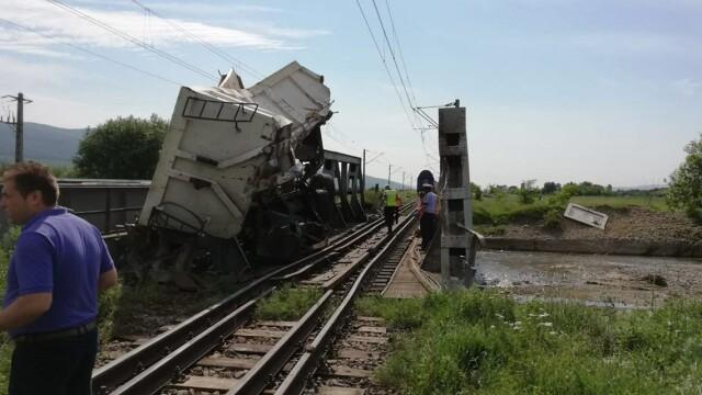 ANIMAȚIE GRAFICĂ cu trenul deraiat după ce a lovit un camion în Bacău - Imaginea 3