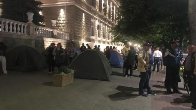 Corturi instalate în fața instituțiilor guvernamentale la Chișinău. Partidul Democrat pregătește proteste - Imaginea 3
