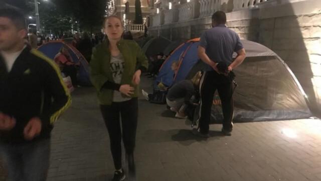 Corturi instalate în fața instituțiilor guvernamentale la Chișinău. Partidul Democrat pregătește proteste - Imaginea 9