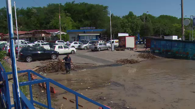Stare de alertă în Galați, în urma inundațiilor. Dunărea a depășit cota de atenție