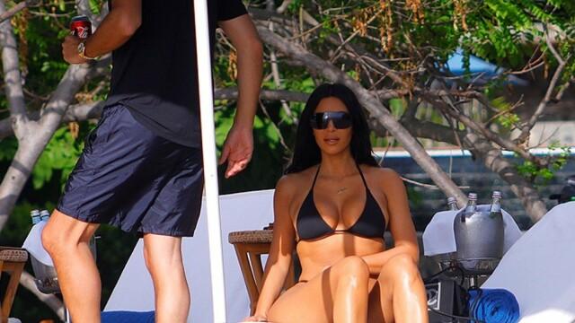 Cum a fost surprinsă Kim Kardashian pe plaja din Costa Rica - 3