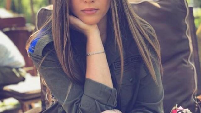 Ce a filmat iubita lui Cristi Manea, în tribune, înainte de a fi atacată. FOTO și VIDEO - Imaginea 11