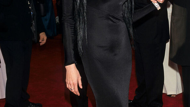 Angelina Jolie, la 45 de ani. Cele mai spectaculoase transformări ale actriței de-a lungul timpului. GALERIE FOTO - Imaginea 10