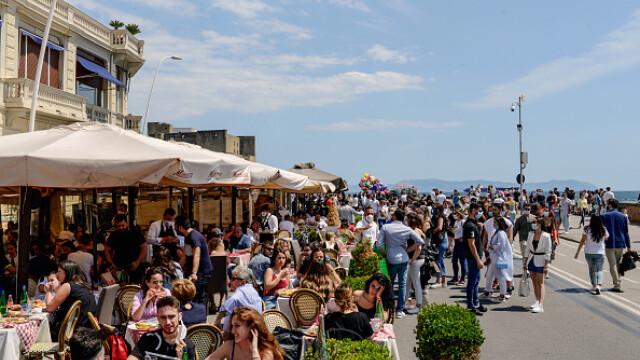 Italia îşi redeschide graniţele pentru a salva sezonul turistic - Imaginea 3
