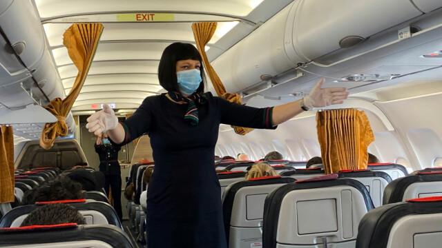 """Compania aeriană care oferă pasagerilor garanția întoarcerii acasă. """"Cine se teme de corona, ar trebui să zboare mai mult"""""""