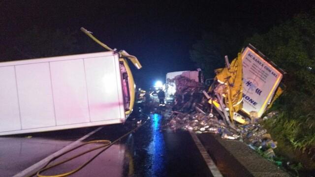 Accident devastator între 2 TIR-uri, în Mureș. Patru persoane sunt în stare gravă - Imaginea 1