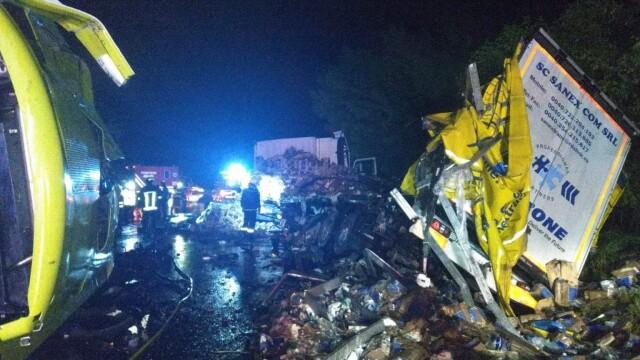 Accident devastator între 2 TIR-uri, în Mureș. Patru persoane sunt în stare gravă - Imaginea 2