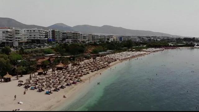 Grecia anunță că va plăti sejurul turiştilor care vor avea ghinionul să fie testaţi pozitiv
