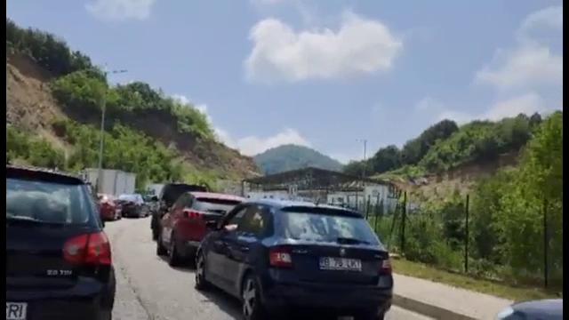 Cozi kilometrice la granițele Greciei. Turiștii români au așteptat ore în șir să intre în țară