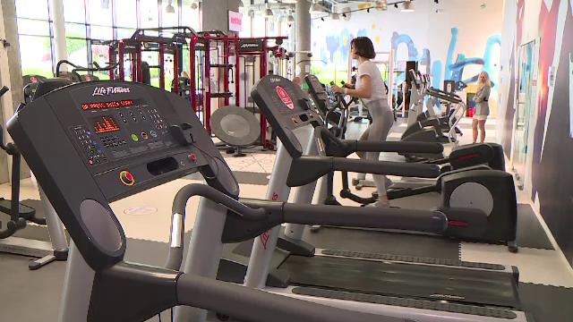 Românii se întorc în sălile de fitness. Care sunt regulile stricte ce trebuie respectate