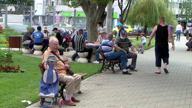 De ce a crescut atât de mult numărul zilnic de cazuri de Covid-19 în România